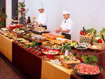*【ディナーバイキング(一例)】旬の食材を使用した和洋バイキング、ご家族でお楽しみくだい。