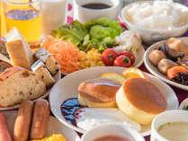 *【朝食バイキング】和洋の朝食バイキング一例、朝からしっかり食べて一日の活力に♪