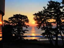 水平線から昇る朝日はぜひご覧いただきたい