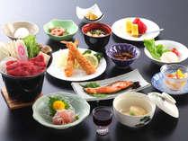 *夕食一例:和食中心の美味しいお料理をお召し上がりください♪
