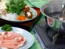 地元野菜たっぷり!豚肉のしゃぶしゃぶを召し上がれ