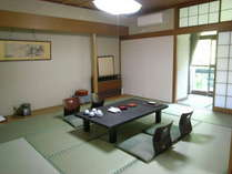 和室10畳のお部屋一例です