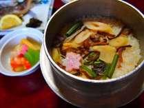 お料理:山菜釜飯