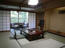 和室10畳バス・シャワートイレ付き客室の一例です