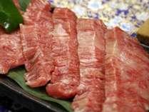 ご夕食時に別注で『牛肉の陶板焼き』承っております