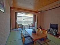 和室・壁側・『10畳』 ホテル立地上、館内設備の壁に面したお部屋となります。(アウトバス)