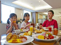 朝食クチコミ4.2★実演ふわとろオムレツ、特製スープカレーなど和洋ビュッフェをおたのしみください★