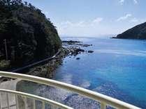 海側のお部屋テラスよりの大浦湾の景色
