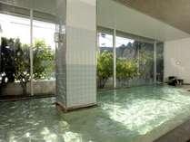 1階海側の大浴場