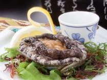 人気の別注料理「鮑ステーキ」※イメージ