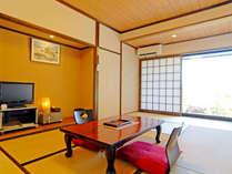 【和室7.5畳】細部にわたって和と自然の雰囲気があります。眺め最高!