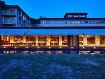 <外観>地中海料理『THE ONE』/スタイリッシュなオープンテラスのレストラン。