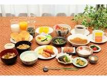 山形のブランド米「つや姫」と郷土料理をふんだんに取り入れた朝食バイキング(盛り付け例)