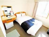 スタンダードシングルルーム シンプルなお部屋です♪