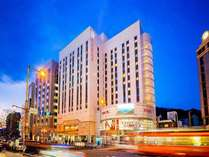 ホテル外観ホテルは路面電車「大街道」駅目の前