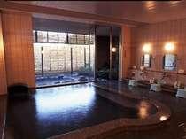男女とも自家源泉で24時間かけ流し。露天風呂とサウナも併設しております。