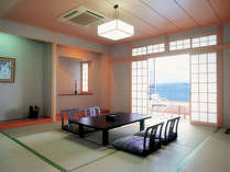 新館お部屋の一例。全室、オーシャンビューはもちろん、明石海峡大橋と対岸の神戸の夜景が満喫できます☆
