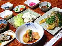 *群馬県産の野菜や米をふんだんに使用した、自慢の家庭料理です♪