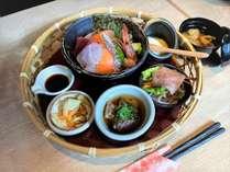 朝食『花かご御膳』海鮮丼