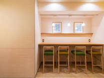 朝食会場は、ほっこりと落ち着けるような空間となっております!