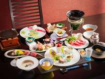 初夏の山海創作料理を個室でお楽しみください。