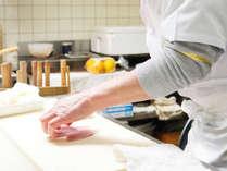 「お料理をゆっくりとお愉しみいただきたい」その思いを胸に心からのおもてなしをさせていただきます。