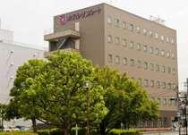 熊谷駅南口ロータリー内にホテルサンルート熊谷駅前はございます