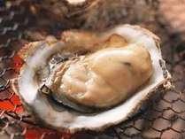 焼きたて熱々!!磯の香りが漂う岩牡蠣