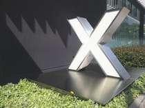 入り口にあるXのマークが目印です♪