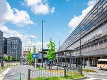 JR・近鉄京都駅とは通りをはさんで向かい側。徒歩約1分の好立地♪