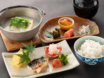 嬉野名物の温泉湯豆腐が美味しい朝食
