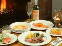 ご夕食には、洋食コース料理をご用意いたします。ごゆっくりお楽しみください