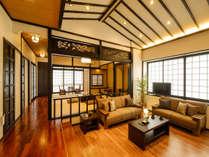 リビングスペースは洋室ベースに和風アレンジをしております。