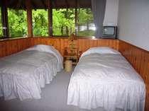 緑につつまれて、心やすらぐベッドルーム。トリプル利用時、角部屋指定できます。