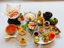*【夕食一例(梅)】造里や台の物などの会席風御膳。季節ごとに変わる食材をお楽しみください。