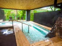 【露天風呂】「女風呂」鬼怒川の清流が聴こえる源泉掛け流しの露天風呂