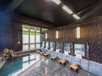【内湯】「男風呂」古き良き時代の銭湯をテーマにした源泉掛け流しの内湯