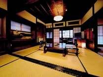 川側二間続き和室例。外には銀山温泉の街並みが広がる♪