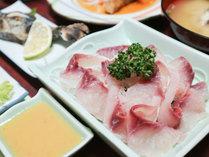 *【夕食一例】鯉のお刺身。親子3代に渡る秘伝の酢味噌でどうぞ