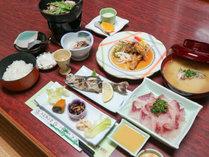 【二食付き◆夕食グレードアップ】通常料理+3品!栄養満点の鯉料理をゆっくり味わう♪