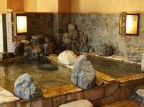 ≪廿の湯≫「岩風呂」季の湯