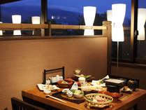 食事処遊山では眺望を楽しめる席も