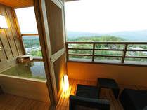 【お部屋】客室露天風呂「鳥のさえずりと涼風に癒される」(イメージ)※夢想窓の設置あり。