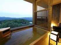 【客室】全室露天風呂付でございます。)※夢想窓の設置あり。