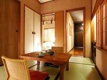 【客室】ベッドルームと和室を設えたゆとりの和洋室。