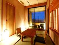 【客室】落ち着きのあるゆったりとした空間。