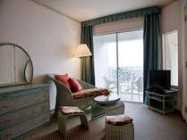 【バルコニー付き客室(一例)】バルコニーからの景色も楽しめます。