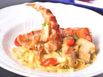 【オマール海老とポルチーニ茸のタリアテッレ】※特別コース「スペチャーレ」で食べられます!