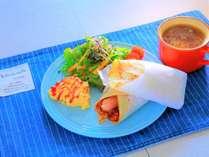 朝食【チリコンカン&ハムチーズ】ブリトーの生地は毎朝一枚一枚心を込めて焼いております☆