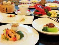 夕食/中華レストラン「シャンリー」にて料理長おまかせコースを堪能。
